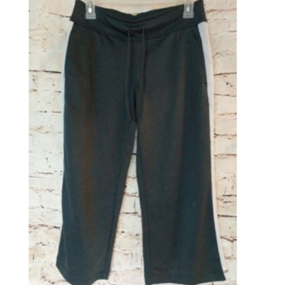 Danskin Pants - Capri Yoga Pants - Drawstring - Black & White